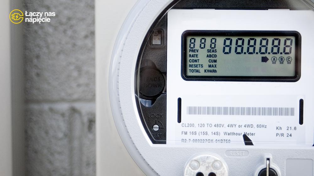 Przyłącze energetyczne krok po kroku, czyli podłączenie prądu do domu, działki