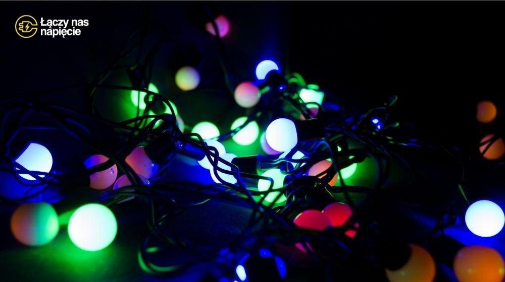 Oświetlenie świąteczne – jak je bezpiecznie zrealizować?